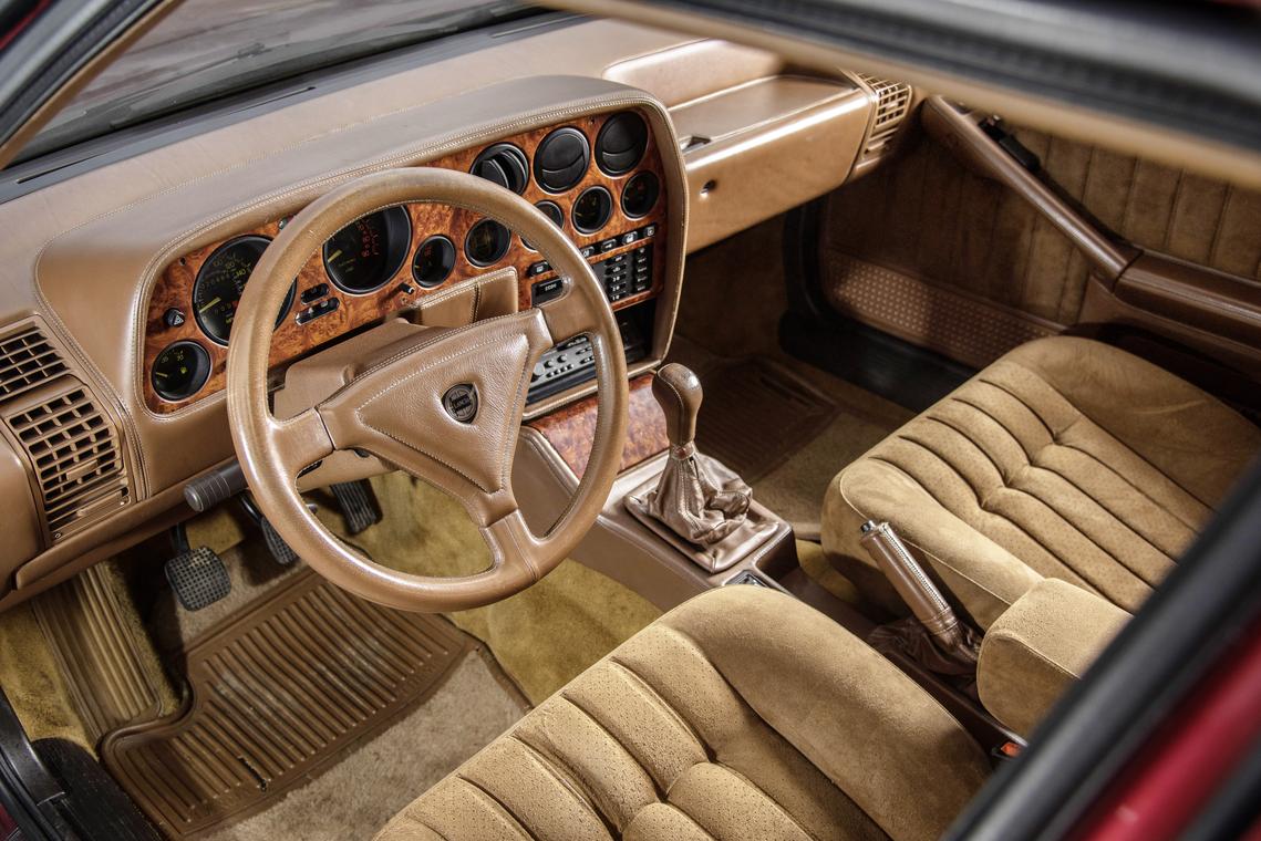 Lancia Thema 8 32