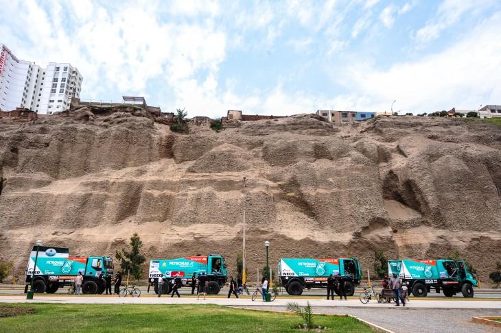IVECO Dakar 2013 1