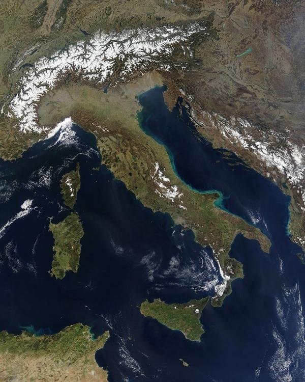 geografia Satellite image of Italy