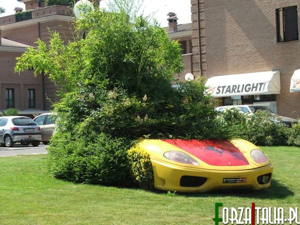 Kwietnik Ferrari - takie rzeczy tylko w Maranello. :)