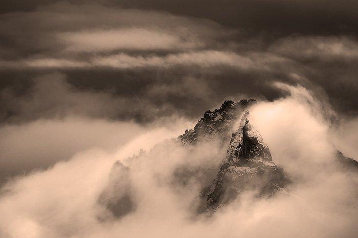 Dolomity - góry poprzez chmury